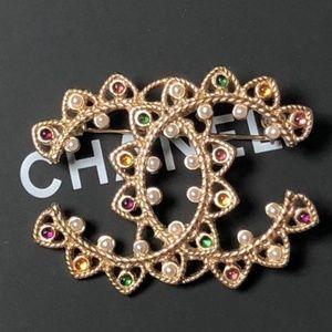 Chanel Shinning Brooch